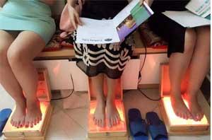 Liệu rằng đèn đá muối massage chân có tốt không?